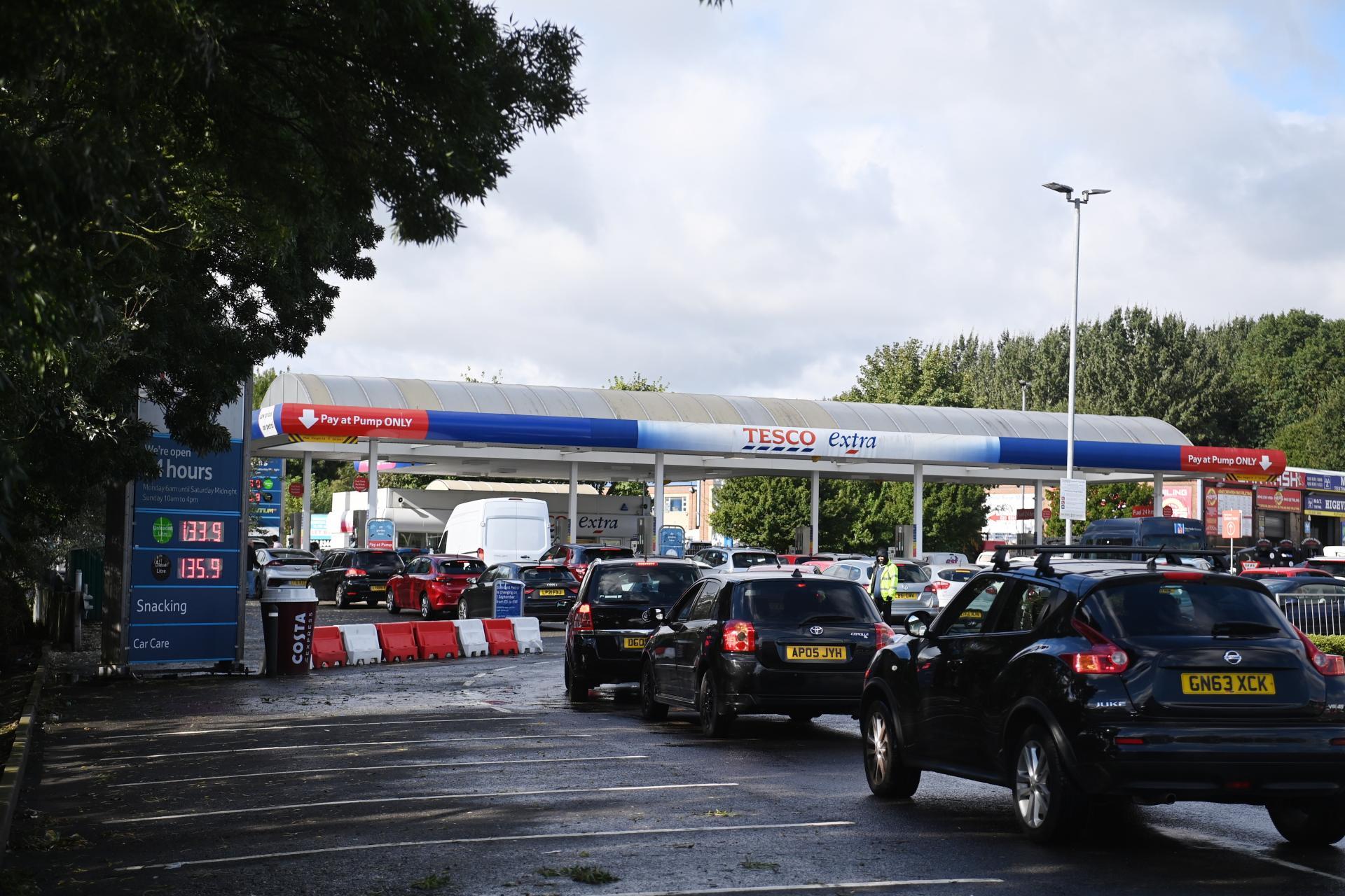 ¿Por qué Reino Unido se queda sin gasolina?