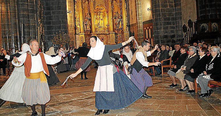 Binissalem se despide de las monjas Trinitarias después de 107 años de dedicación