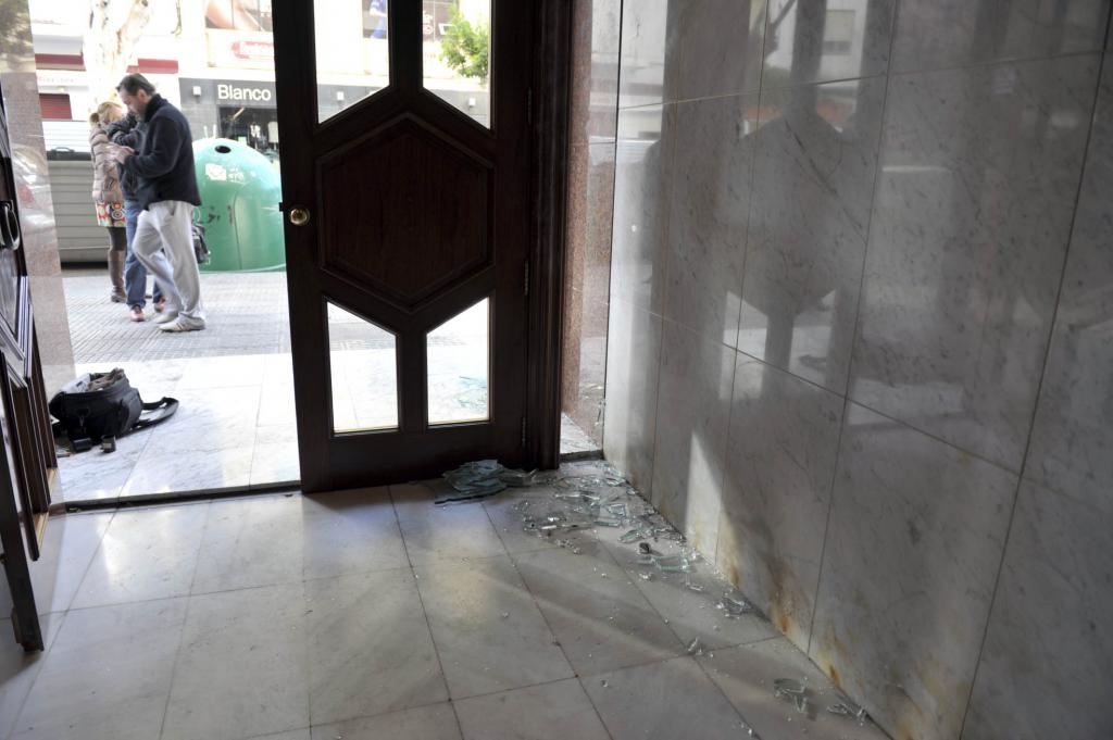 Serra dice que se ha traspasado «una línea roja» con el «atentado» contra la sede del PP en Eivissa
