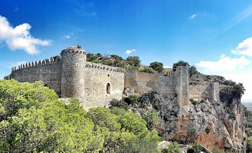 Los técnicos del Consell dan su visto bueno a la apertura del castillo de Santueri