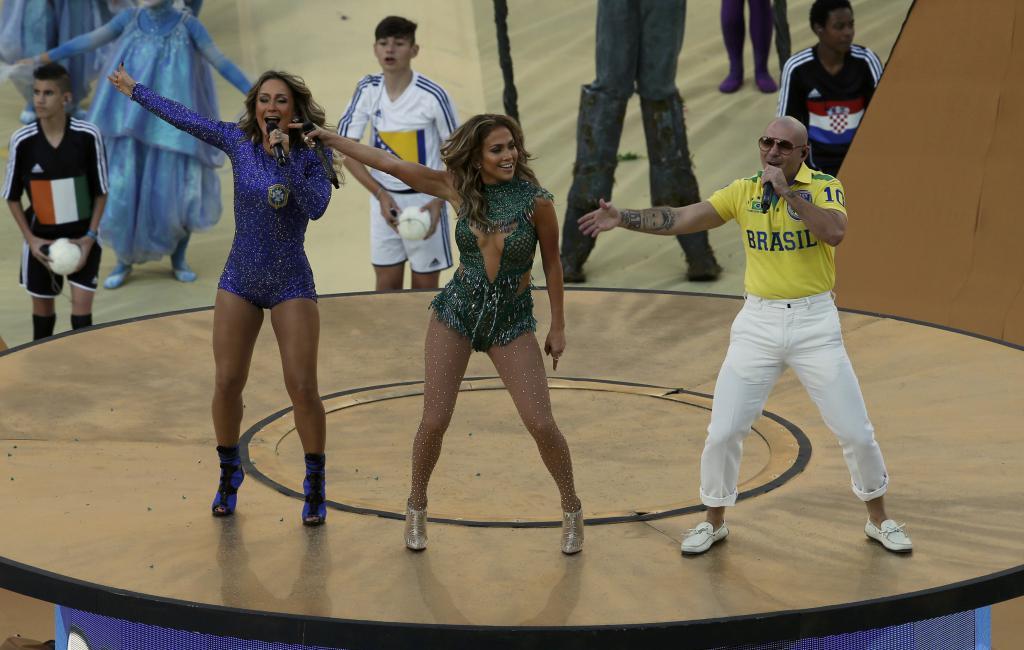 Singers Leitte, Lopez y Pitbull.
