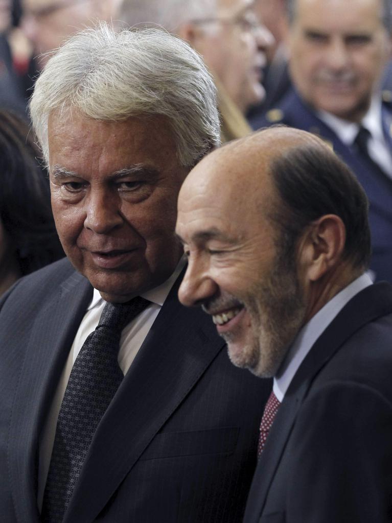 Ceremonia de abdicación del Rey Juan Carlos. Felipe González y Rubalcaba