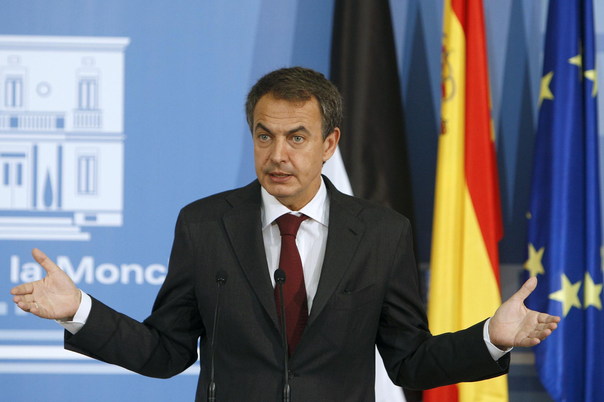 Zapatero dice que la reforma favorece a empresarios y trabajadores