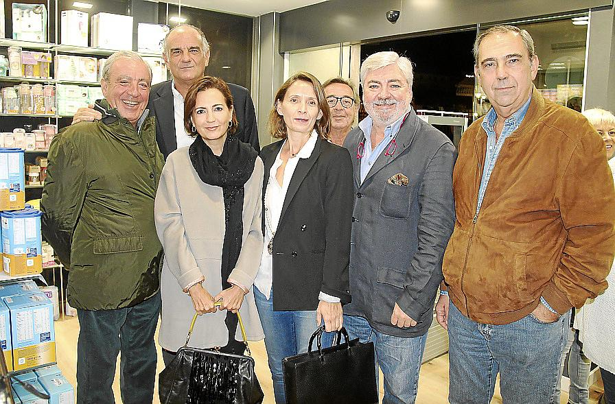 Kiko Sagristà inaugura una farmacia en Palma