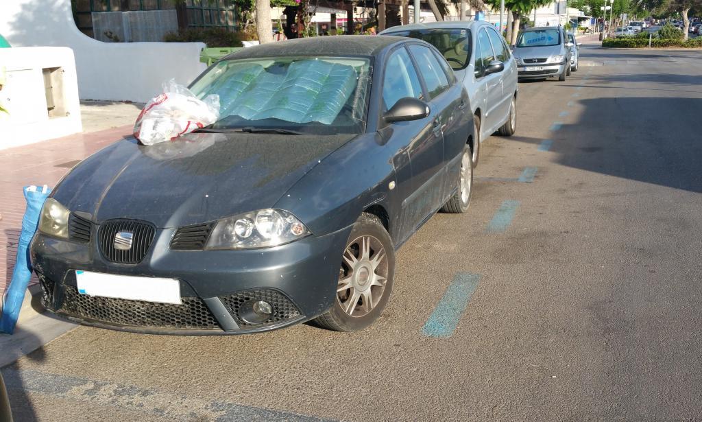 Vandalismo contra un coche aparcado en la Colònia de Sant Jordi