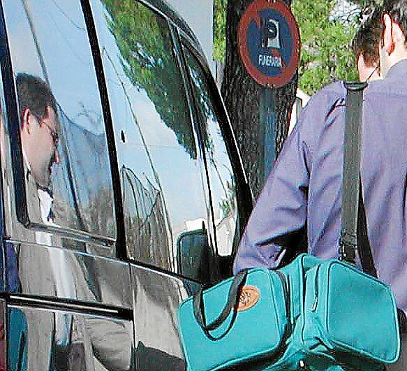 La Guardia Civil investiga el asalto al chalet de Michael Laudrup en Costa den Blanes