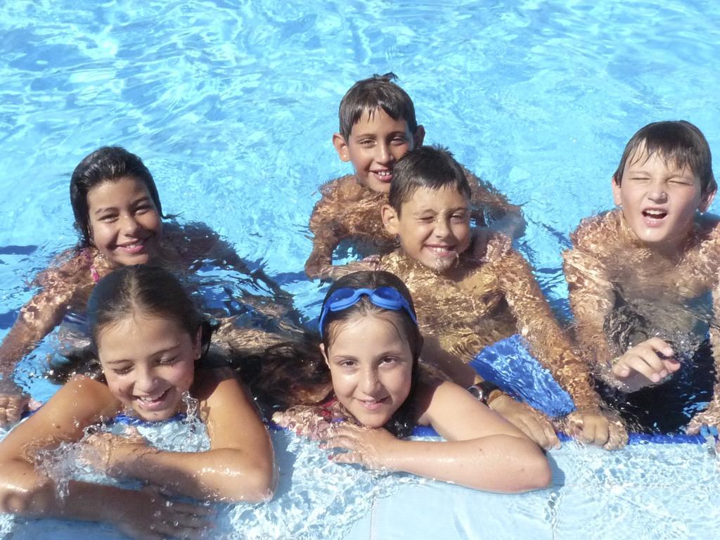 Cinco consejos para disfrutar de las piscinas con seguridad