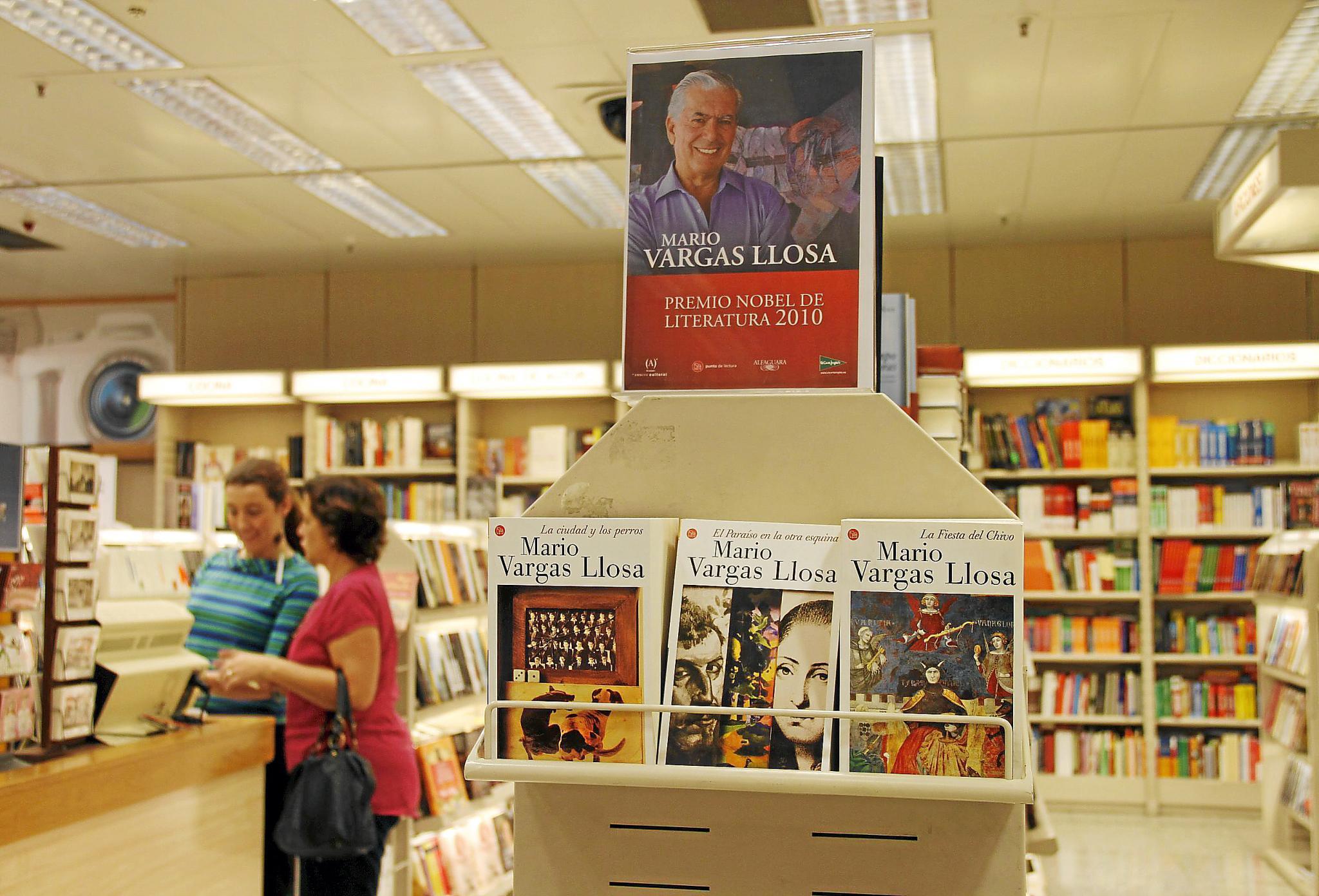 El Nobel reactiva el interés por las novelas «más clásicas» de Vargas Llosa