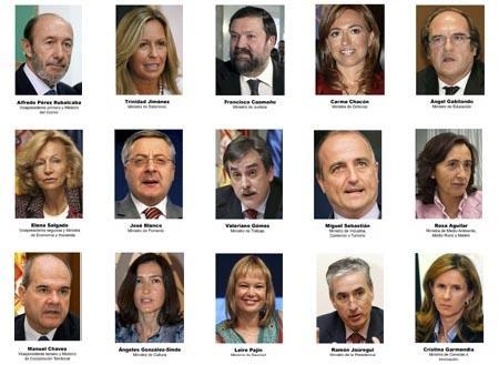 Zapatero configura su Gobierno más reducido con quince ministerios
