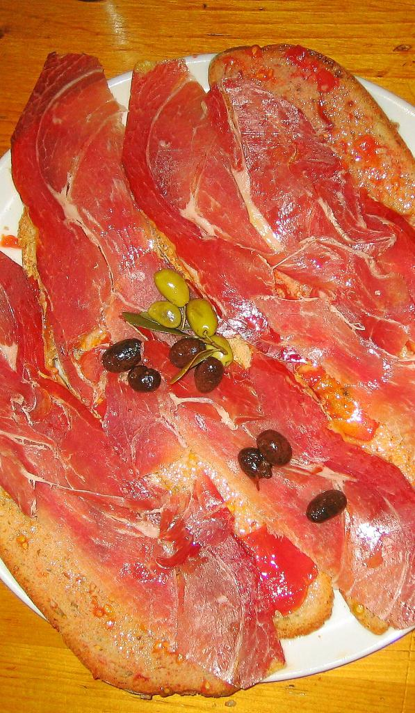 El 'pa amb oli' mejor con 'olives trencades'
