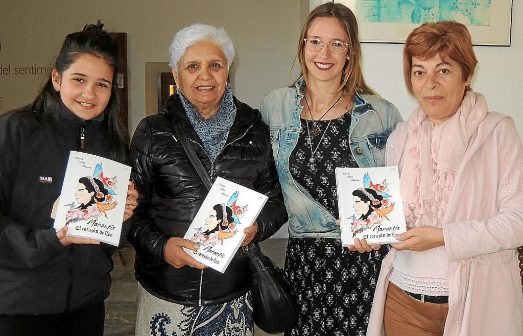 Alycia Alba presenta su primer libro, 'Manantis. El corazón de Leo'