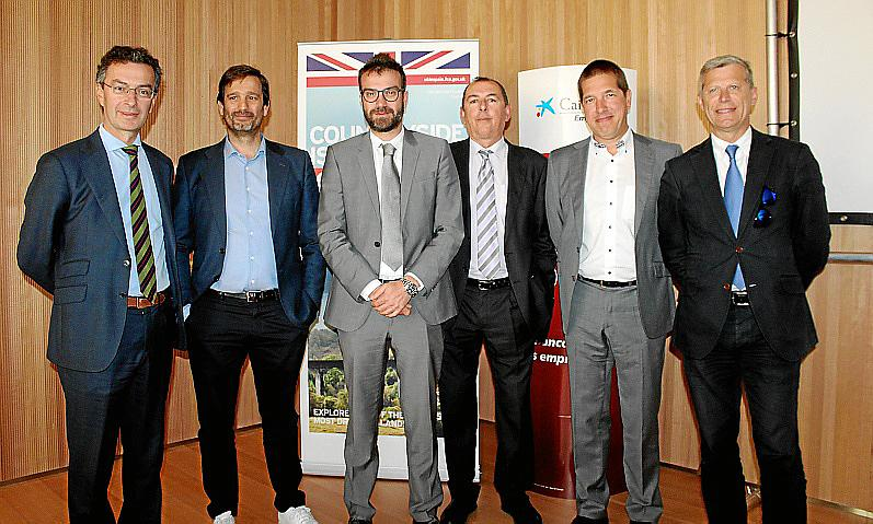 Conferencia del embajador del Reino Unido, Simon Manley