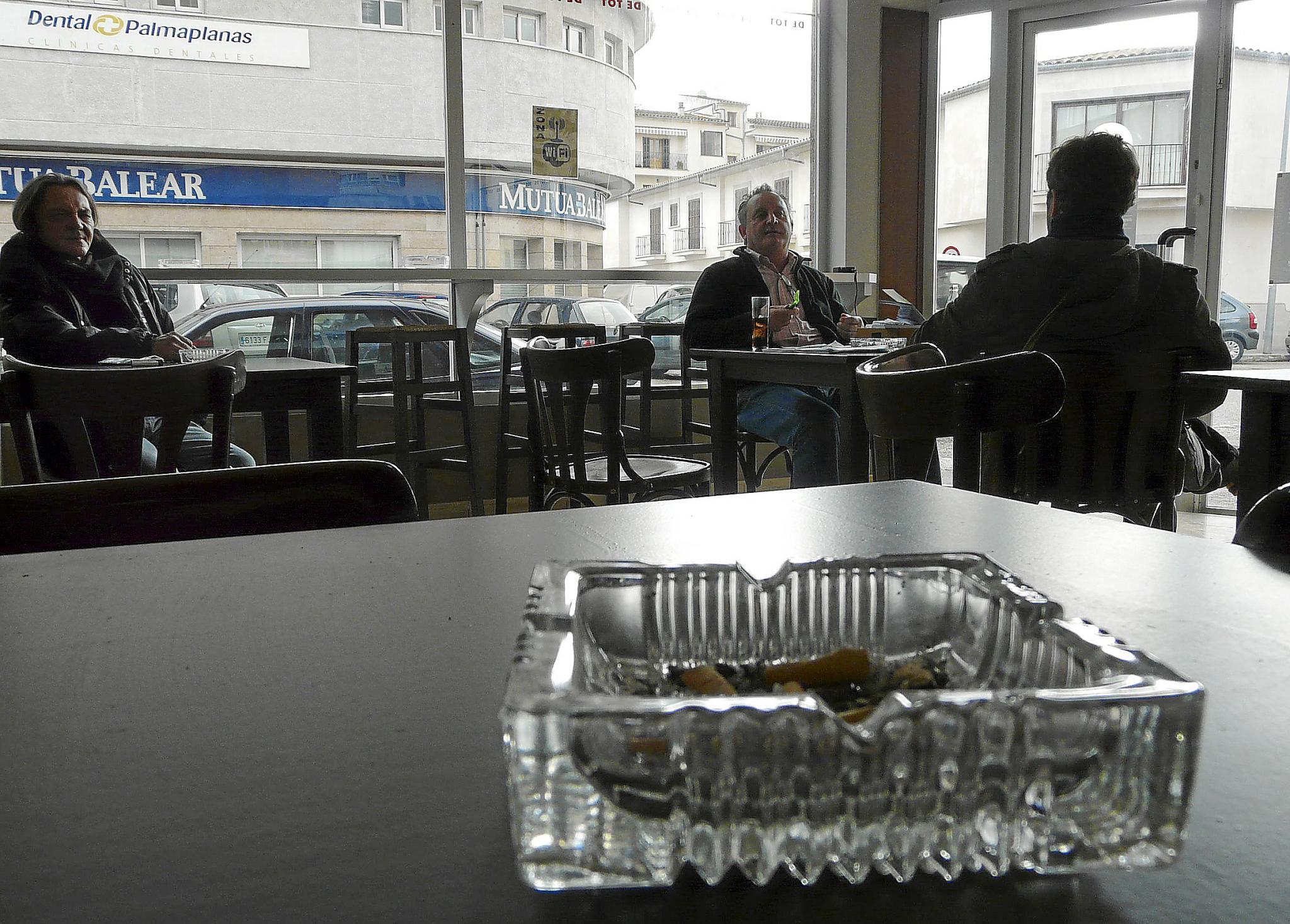 Manacor ya cuenta con la primera asociación de fumadores de las Balears