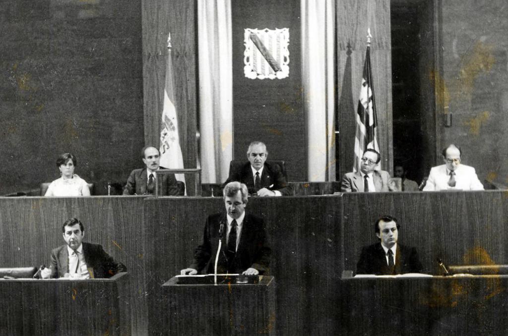 Ocho legislaturas, diez investiduras
