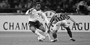 Ronaldinho lanza al Barça hacia la final de París