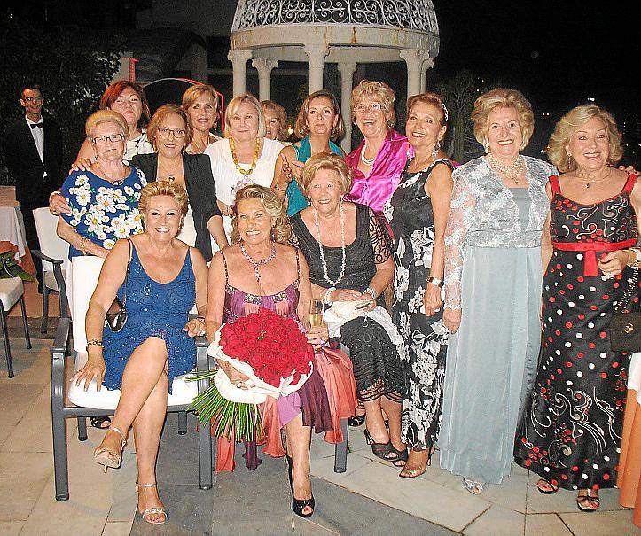 Cena del Club Elsa y el Club de la Risa