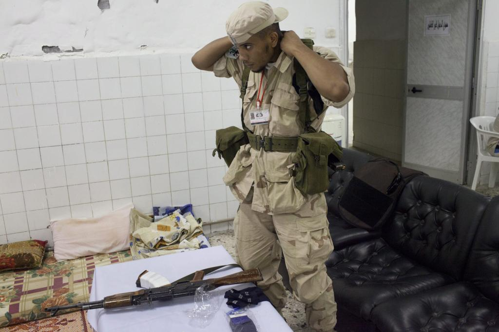 Un Gadafi acorralado por los rebeldes llama a los libios a marchar sobre Trípoli