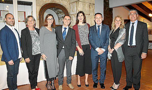 Cena y debate de colegios profesionales en Molí des Comte