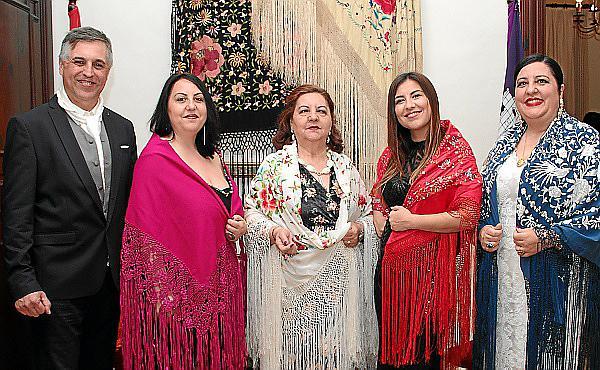 Fiesta del mantón en el Círculo Mallorquín