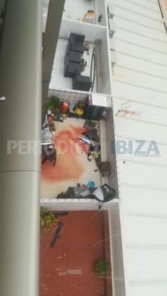 Herido grave un británico de 31 años tras caer desde un cuarto piso en Sant Antoni