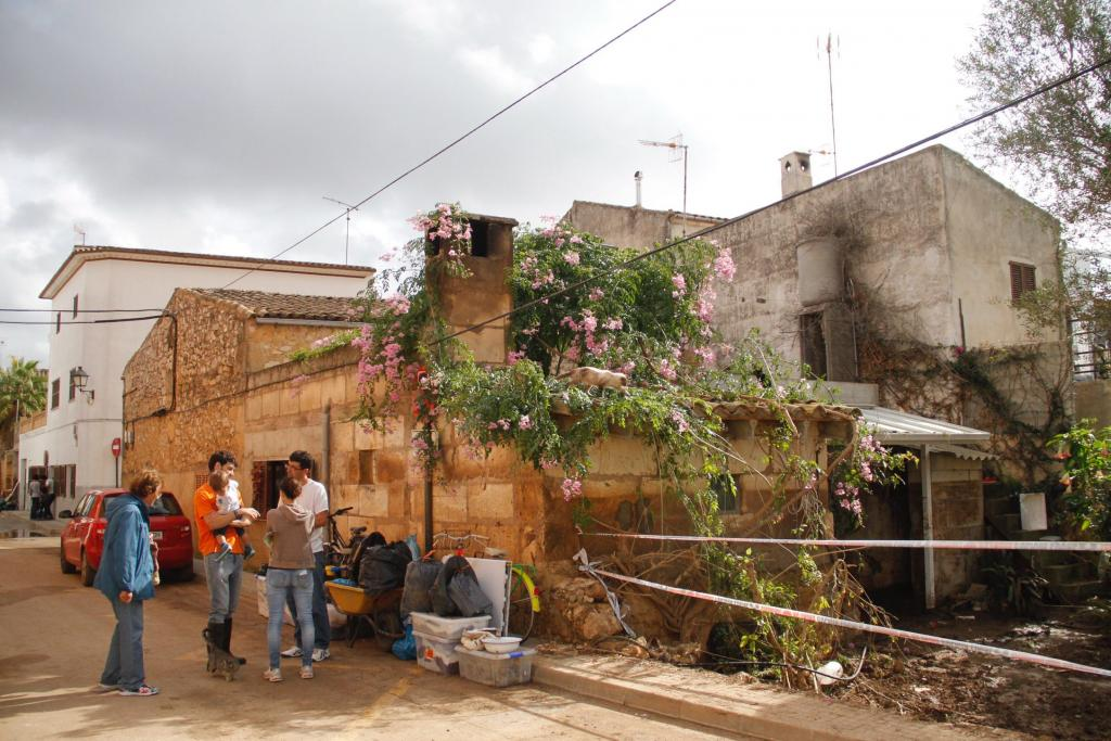 La riada deja 322 casas, 324 vehículos, y 30 comercios afectados en Sant Llorenç