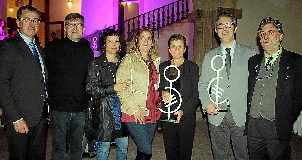 Entrega de premios. de Disfam en el Casal Balaguer