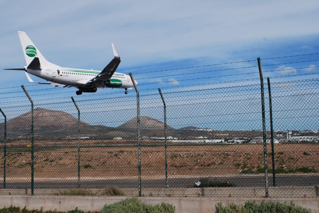Resultado de imagen de aeropuerto de Lanzarote