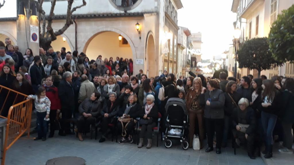 Expectación en Sant Llorenç por el ensayo de las Campanadas de Telecinco 2019