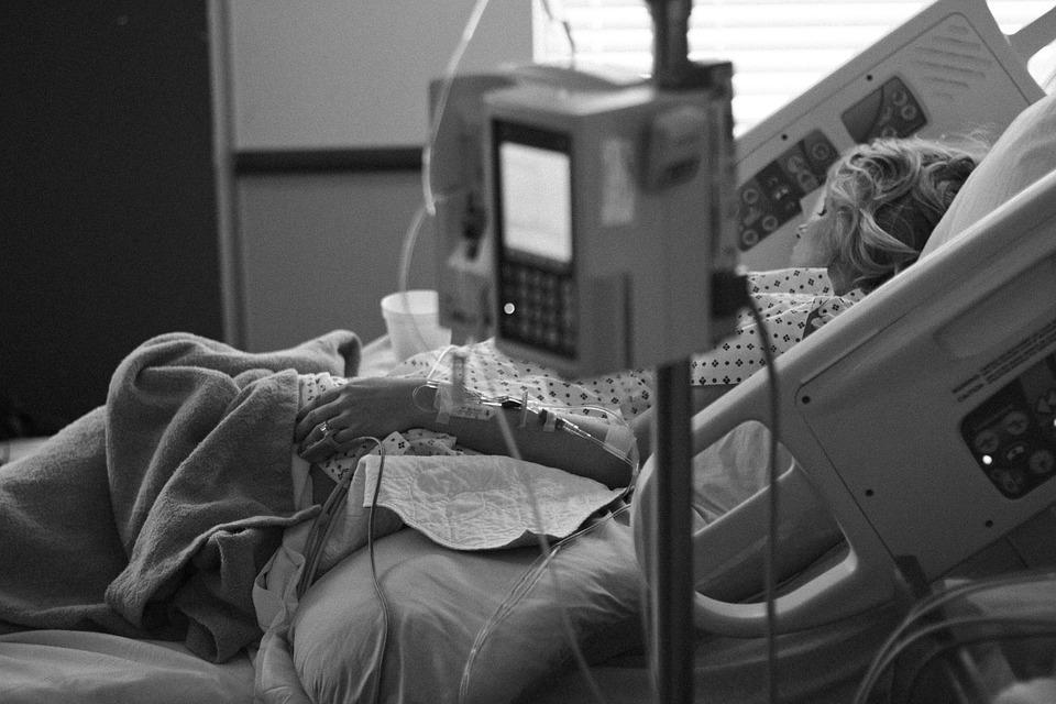 Insólito  Llevaba 10 años en coma y dio a luz a un bebe