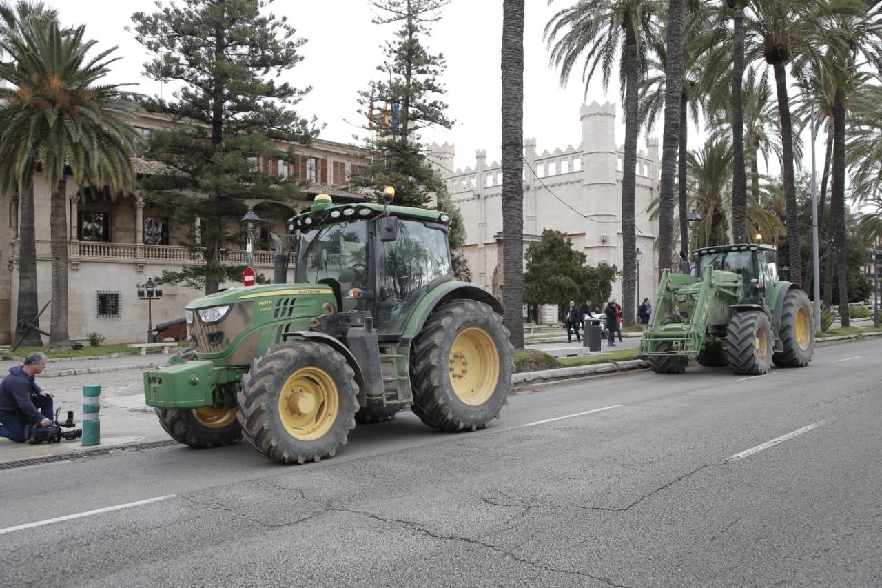 Tractorada en Palma en contra de las zonas ZEPA