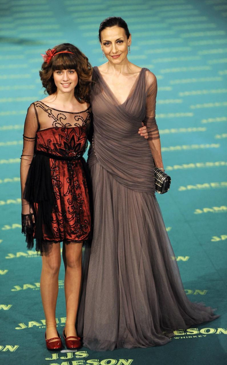 MADRID. CINE. La actrices Carmen Elias y Nerea Camacho, en la Gala de los Premios Goya.