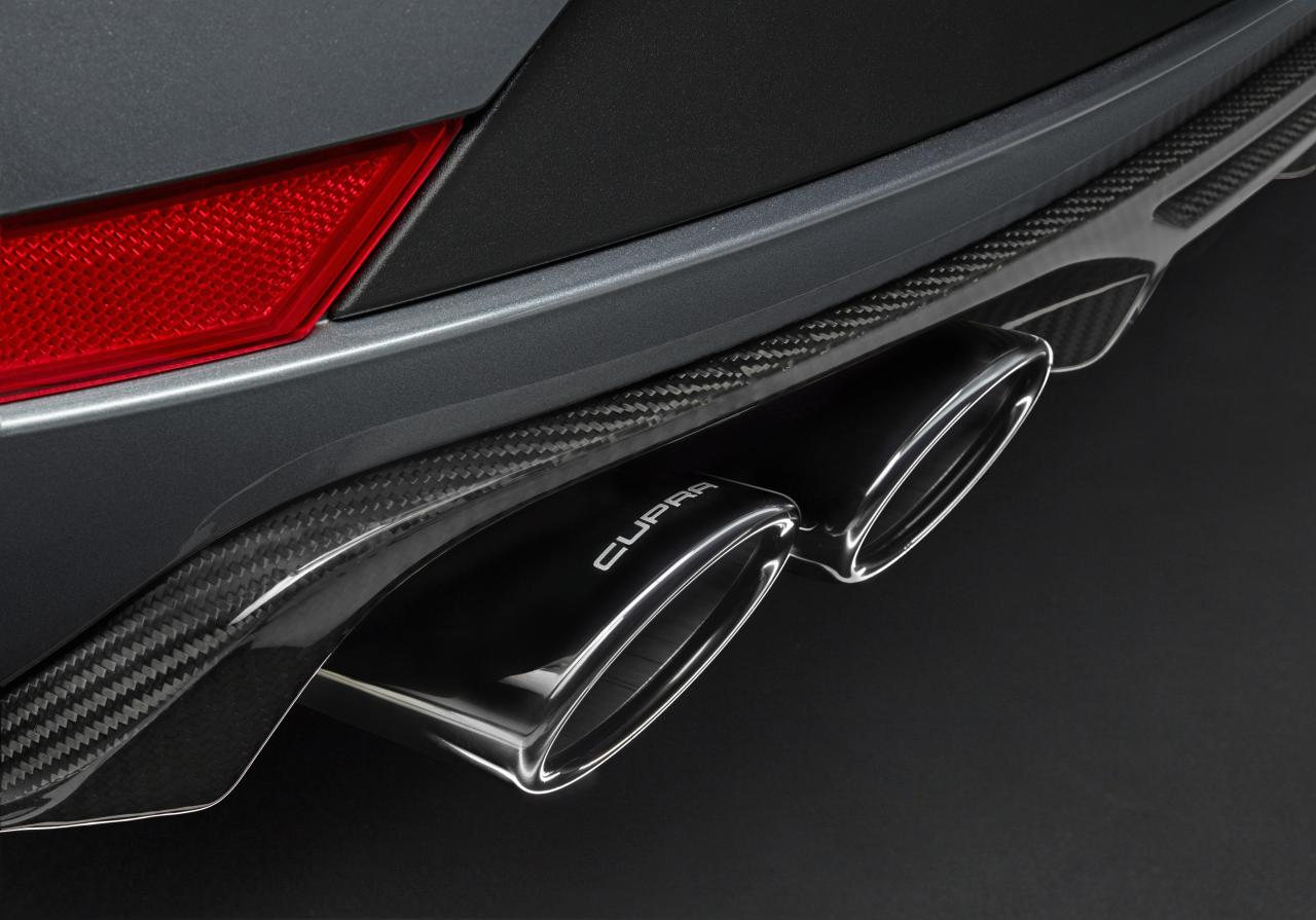 El nuevo SEAT León ST CUPRA R tiene un sistema de escape específico que optimiza el sonido deportivo del modelo