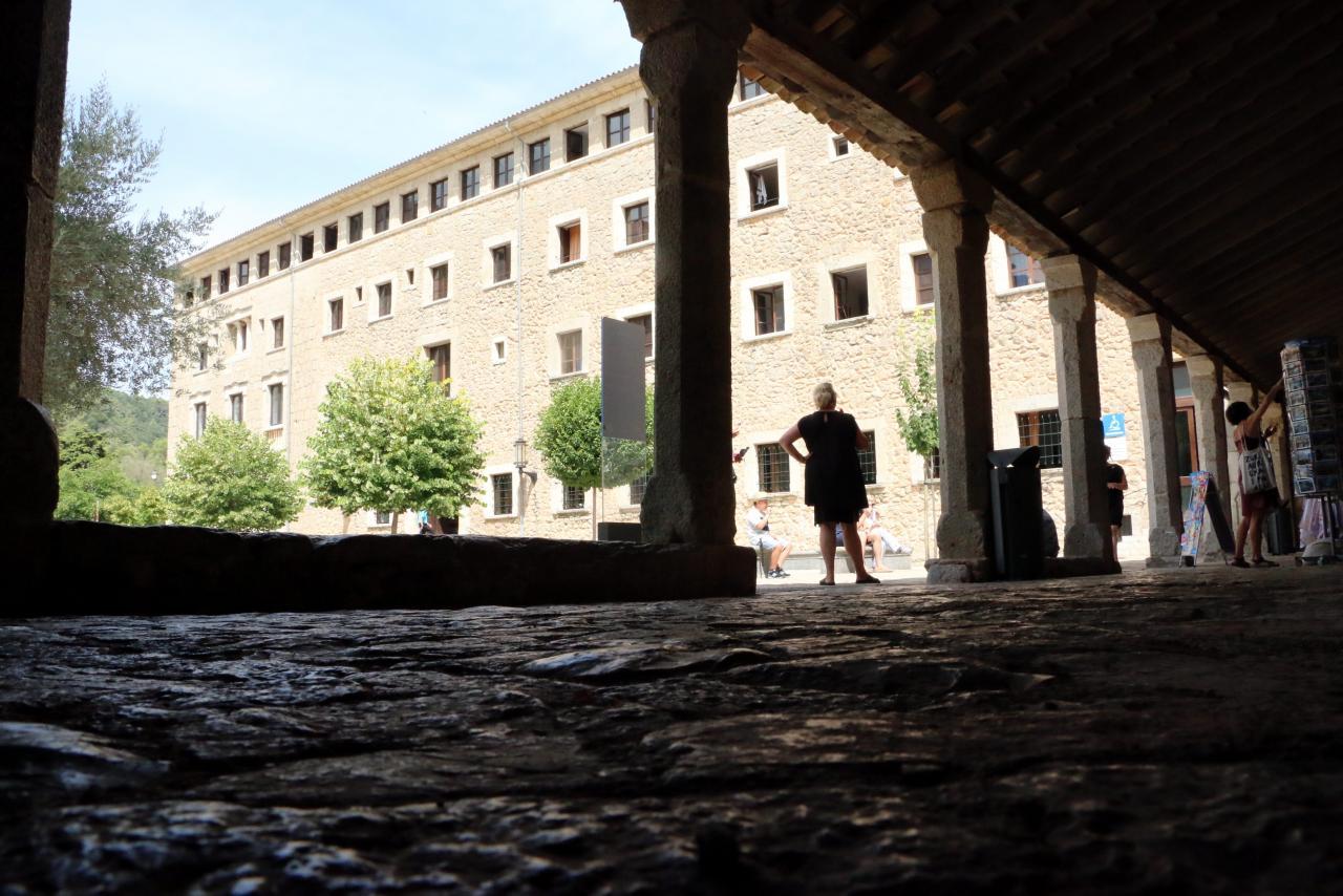 santuario de lluc monasterio