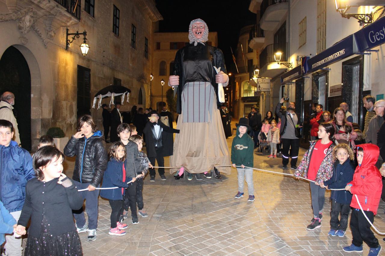 La Jaia Corema en el Entierro de la Sardina en Manacor