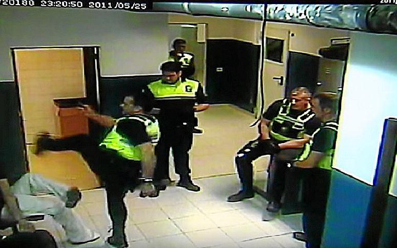 PALMA. AGRESIONES. Los autores del apuñalamiento de Son Pardo se entregan en la Policía Nacional.