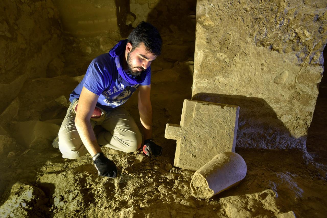 Arqueólogos españoles descubren un nivel oculto en una tumba faraónica