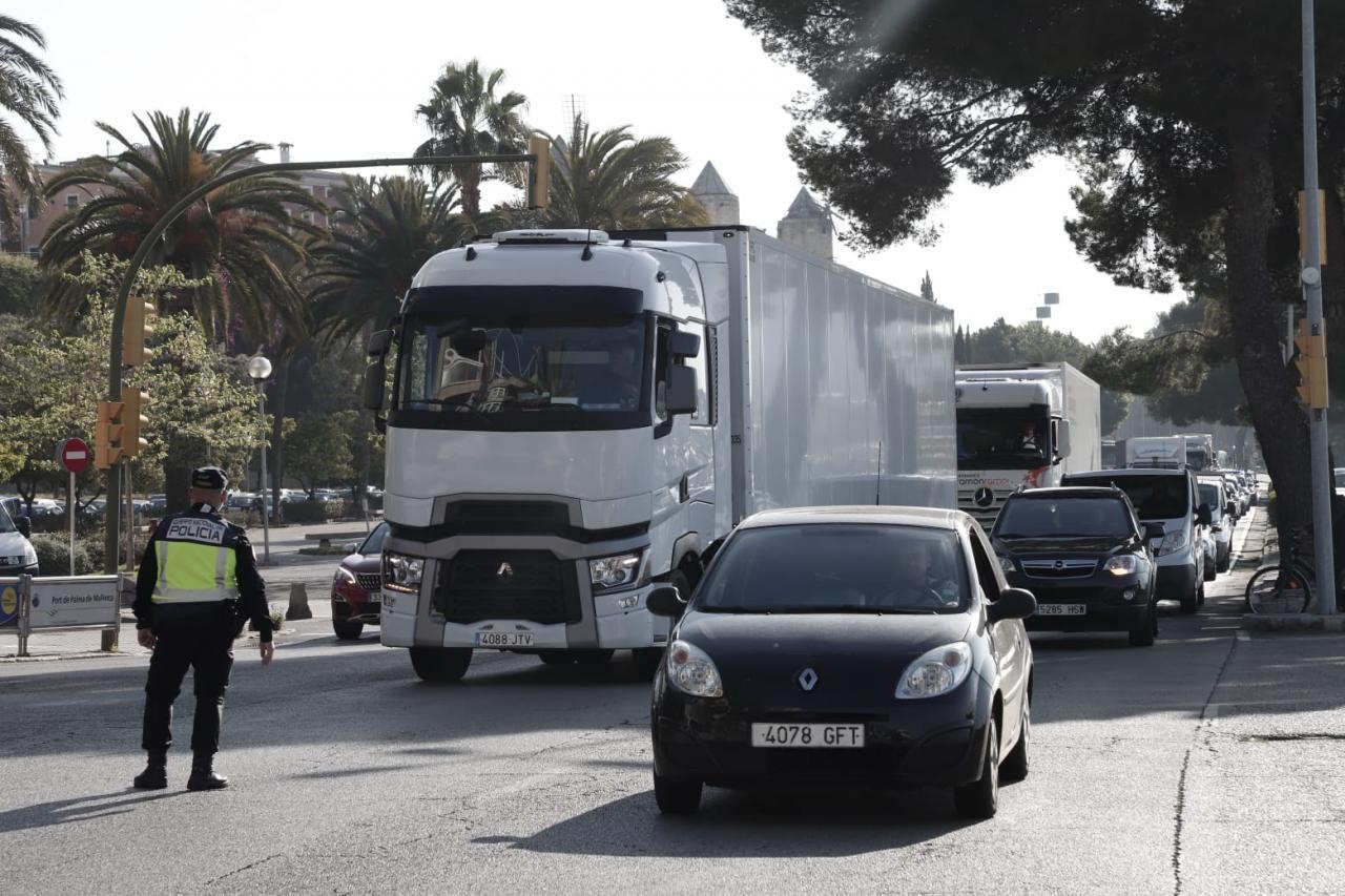 Accidente de tráfico en el Paseo Marítimo de Palma