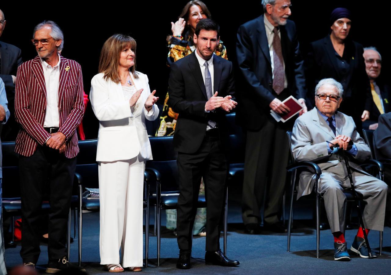 Lionel Messi receives the Creu de Sant Jordi