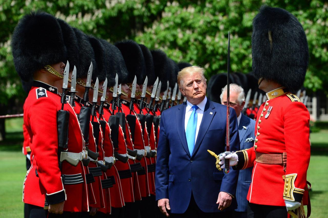Isabel II recibe a Trump en el palacio de Buckingham