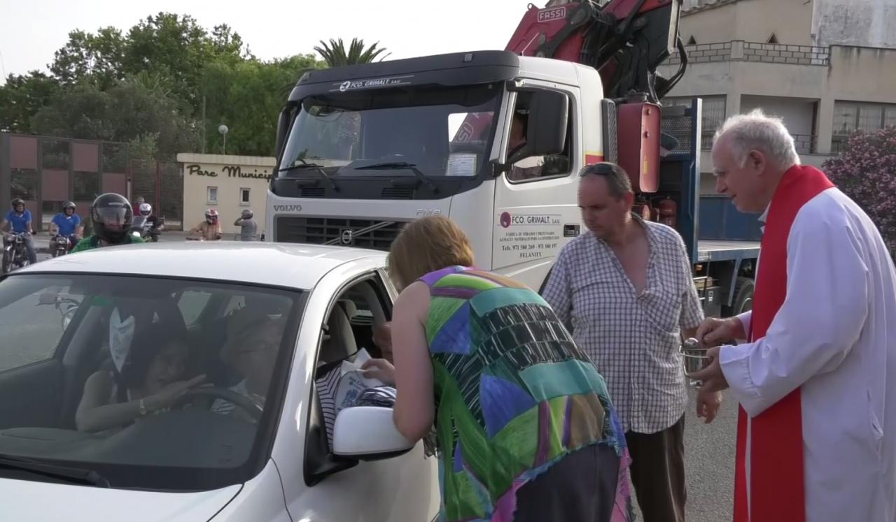 'Beneïdes' de vehículos por Sant Cristòfol