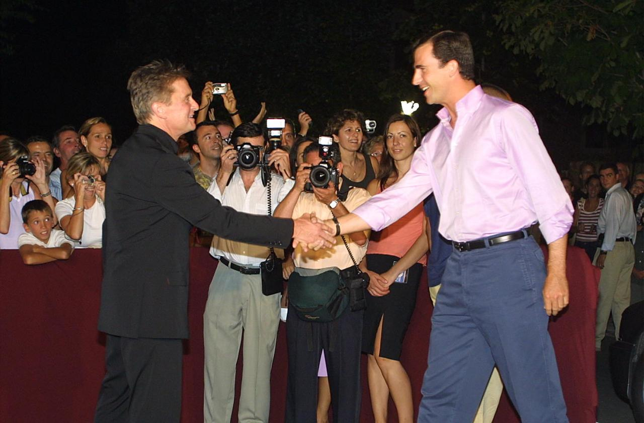 Michael Douglas y el entonces príncipe Felipe, en Mallorca