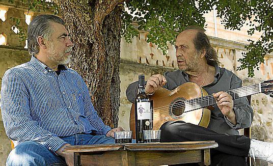 PALMA. INSTRUMENTOS MUSICALES. Antonio Morales, LUTHIER/ MEDALLA DE ORO DE PALMA