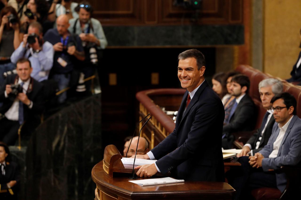 Resultado de imagen de Sánchez pide su apoyo a Podemos: Nada que merezca la pena es fácil