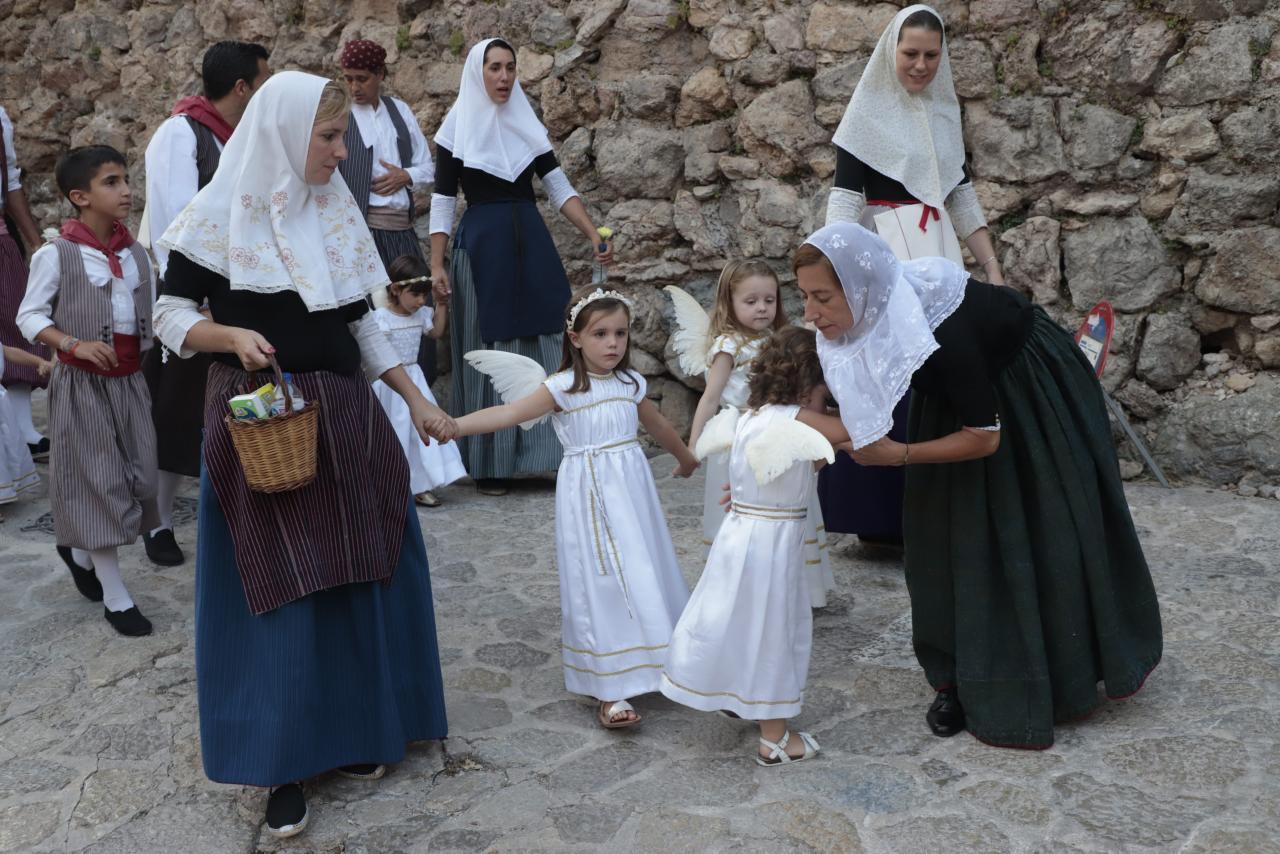 processio reliquia .