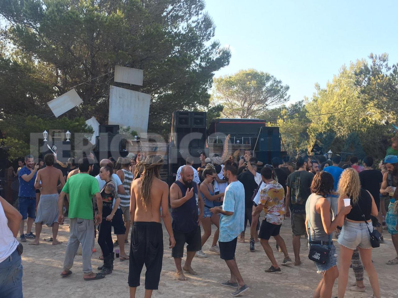 La Guardia Civil desmantela una fiesta ilegal en Ibiza