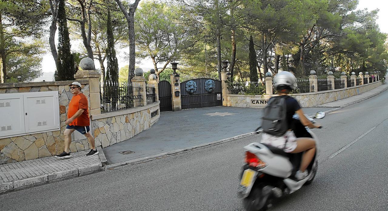 Una calle de Santa Ponça con imán para los robos