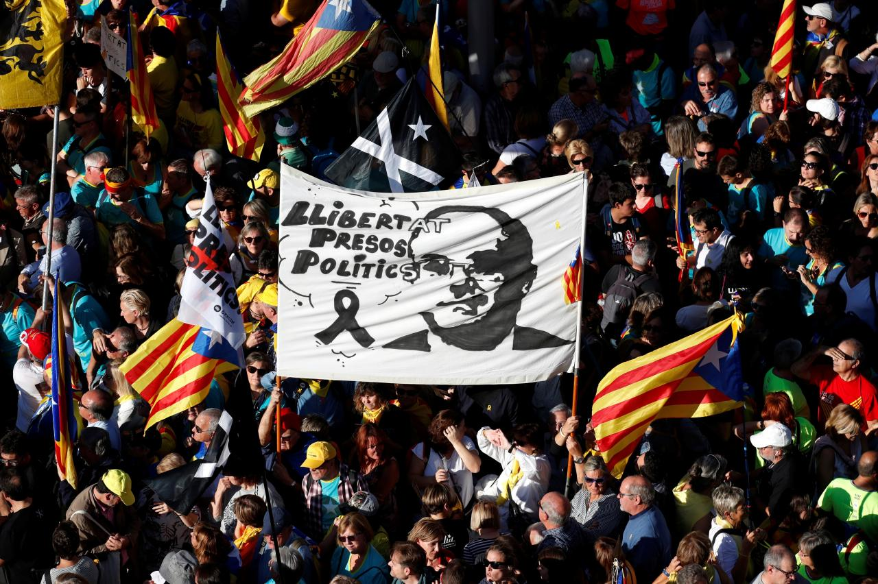 Protest to call for the release of jailed separatist leaders in Barcelona