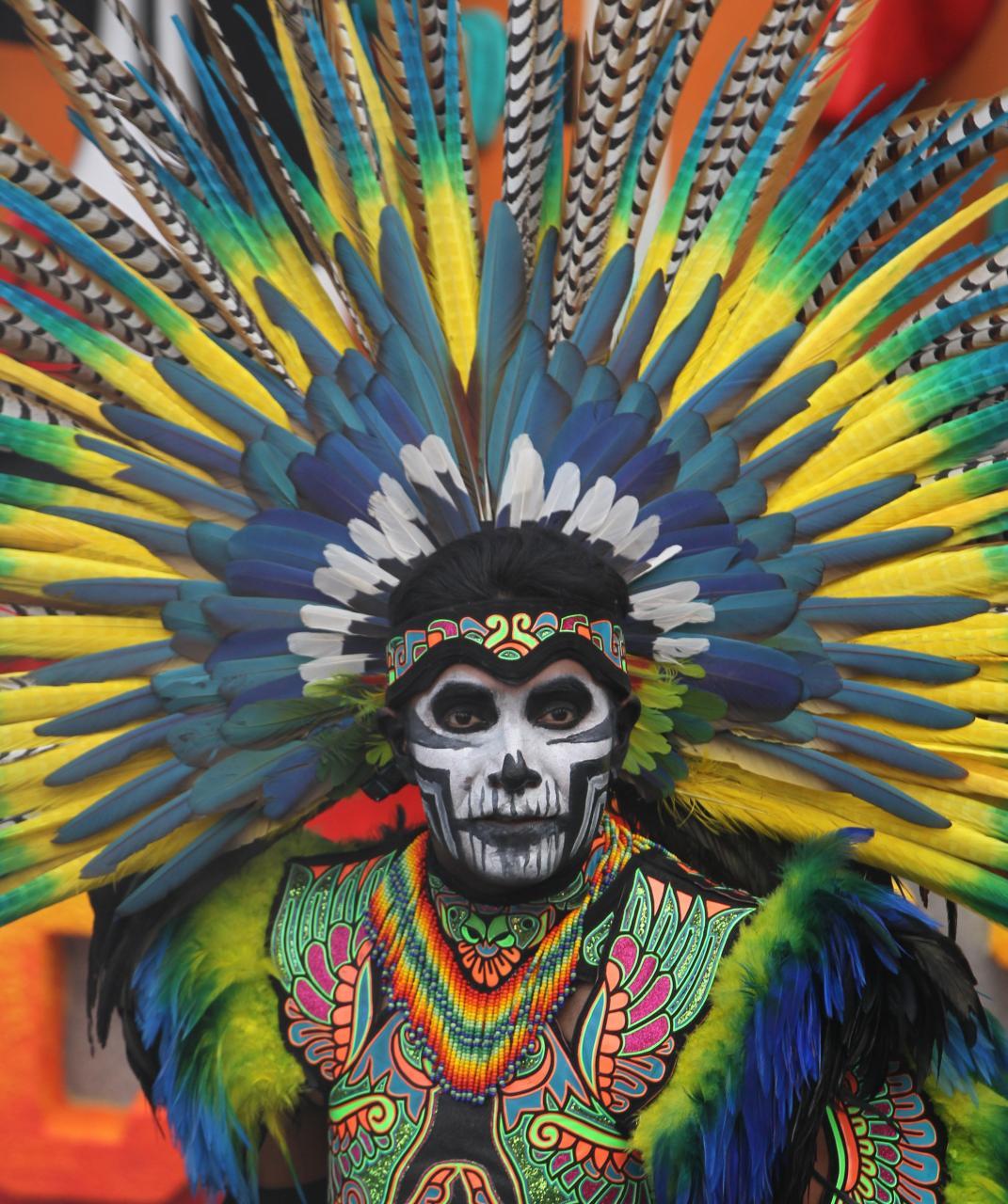 Desfiles tradicionales por festejos del Día de Muertos en México