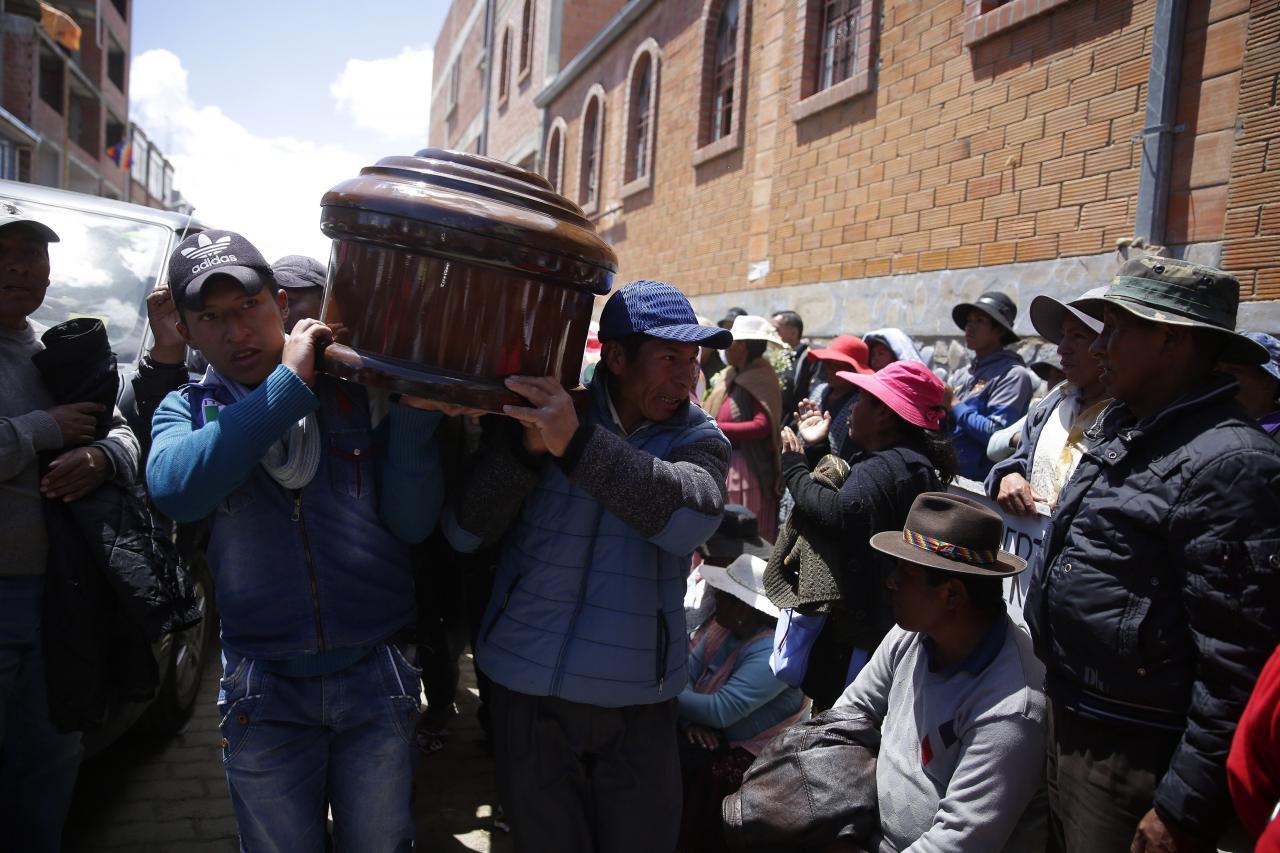 Suben a seis los muertos por disparos en disturbios en la ciudad boliviana de El Alto