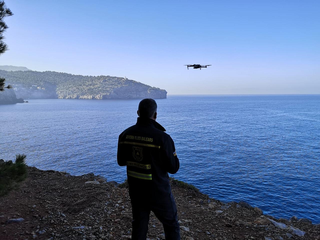 Un dron busca en el mar al barranquista desaparecido en Mallorca